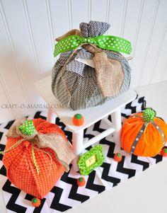Super CUTE No Sew Pumpkin Tutorial by @Jennie C.- Craft-O-Maniac.com #pumpkins