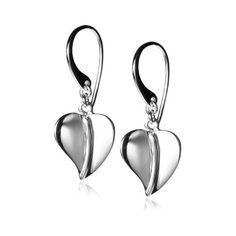 Sterling Silver Heart Dangle Earrings: Jewelry (180 ARS) ❤ liked on Polyvore featuring jewelry, earrings, heart dangle earrings, long earrings, heart jewelry, heart shaped earrings and sterling silver long earrings