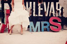 {Real Weddings} Las Vegas Intimate Wedding | bellethemagazine.com