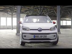 """https://youtu.be/V2415HG97Yc  Volkswagen Up! 2016 - Video oficial """"Versión Europa""""  El pequeño Volkswagen Up! ha recibido un pequeño restyling a nivel general. (...)"""