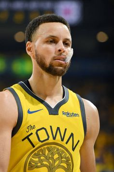 Stephen Curry of the Golden State Warriors looks on in Game Two of Round One against the LA Clippers during the 2019 NBA Playoffs on April 2019 at ORACLE Arena in Oakland, California. Get premium, high resolution news photos at Getty Images Stephen Curry Basketball, Mvp Basketball, Nba Stephen Curry, Love And Basketball, Stephen Curry Wallpaper, Wardell Stephen Curry, 2018 Nba Champions, Curry Nba, Stephen Curry Pictures