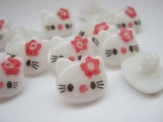 "10 Kitty Buttons 15mm (5/8"") White Sewing Shank Clothing Buttons Childrens Buttons Knitting Sewing Accessories"