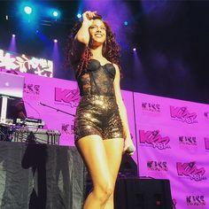 Natalie La Rose performing