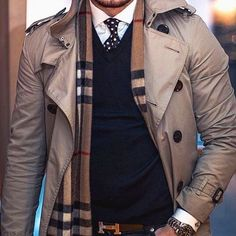 Trenchcoat layered over jumper/shirt combo. Burberry scarf and Hermes belt elevate the look. Mens Fashion Blog, Fashion Mode, Fashion Tips, Street Fashion, Gentleman Mode, Gentleman Style, Mode Man, Pullover Shirt, Jumper Shirt