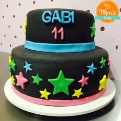 Bolo Estrelas Coloridas Bakery, Desserts, Food, Decorating Cakes, Sweets, Stars, Tailgate Desserts, Deserts, Bread Store