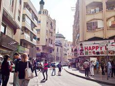 Exploring old Dubai and the Souks - Dainty Dress Diaries Gold Souk Dubai, Bur Dubai, Shopping Malls, Best Places To Eat, Walking Tour, Diaries, Exploring, Skyscraper, Street View
