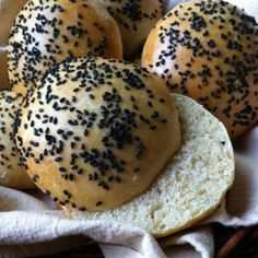Cooking and eating. Sourdough Recipes, Hamburger Buns, Bagel, Food Inspiration, Sandwiches, Honey, Bread, Cooking, Cucina