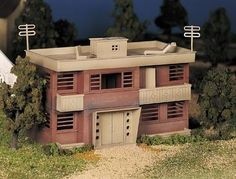 Bachmann Apartment Building Kit -- O Scale Model Railroad Building --