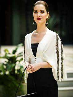- João Miguel Júnior / Tv Globo Ícones de estilo Marie aponta as estilistas Coco Chanel e Elsa Schiaparelli, a socialite americana Slim Keith e as atrizes de Hitchcock como referências para o figurino da personagem.