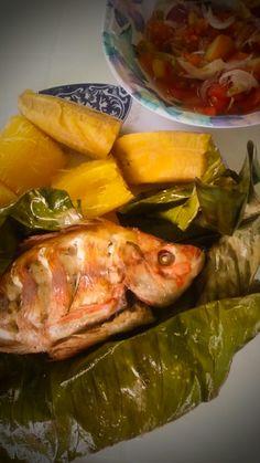 Maito de tilapia, plato tipico de la selva amazonica. Sucumbios, Ecuador. Tilapia, Ecuador, Fish, Meat, Chicken, Dishes, Buffalo Chicken, Rooster