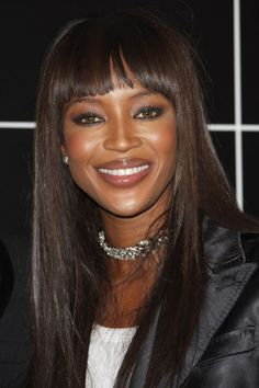 Naomi Campbell Campbell was born in Streatham, South London, the daughter of Jamaican-born dancer Valerie Morris. Chinese Jamaican ancestry through her paternal grandmother, who carried the family name Ming. Top Models, Female Models, Women Models, Claudia Schiffer, Irina Shayk, Black Supermodels, Dark Skin Girls, Black Celebrities, Linda Evangelista