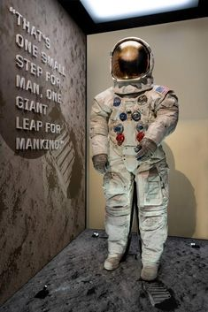 Neil Armstrong's Apollo 11 spacesuit unveiled at Smithsonian The spacesuit astronaut Neil Armstrong wore during his mission to the moon went .