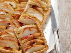 Apfel und Zimt gehören doch irgendwie zusammen. Hier als leckere Apfeltarte mit Zimt   Zeit: 30 Min.   http://eatsmarter.de/rezepte/apfeltarte-mit-zimt
