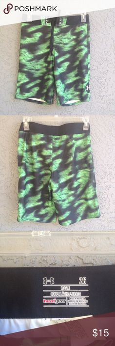 Boys Under Armour swimming trunks From the street to the shore, the Under Armour Boys' Barrel Boardshort has got him covered. This swim short offers UPF sun protection and quick-drying comfort. New but without tags Under Armour Swim Swim Trunks