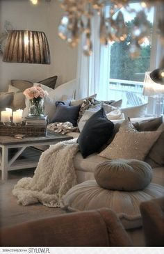 this looks like a very cozy little lounge spot