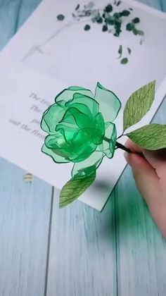 Cool Paper Crafts, Paper Flowers Craft, Paper Crafts Origami, Origami Art, Flower Crafts, Diy Flowers, Flower Art, Toilet Paper Crafts, Rose Crafts