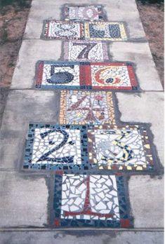 Mosaic hopscotch - This is such a fun idea! Who doesn't love a little bit of hopscotch? Mosaic Art, Mosaic Glass, Ideias Diy, Mosaic Projects, Mosaic Ideas, Mosaic Designs, Backyard Games, Backyard Patio, Backyard Layout