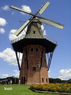 The Mill, Moinho Holandês (dutch mill),Holambra, SP, Brazil...the tallest mill in Latin America.