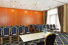 Eines der Konferenz- & Seminarräume / One of the conference and seminar rooms | H+ Hotel Hannover