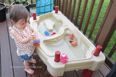 Nûby Squid Squirter: Perfect for Outdoor Water Fun - Spit Up is the New Black