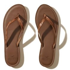 e16727e3a1b6f4 Hollister Vegan Leather Icon Flip Flop (110645 PYG) ❤ liked on Polyvore  featuring shoes