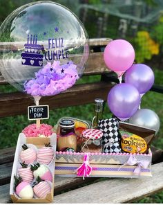 Birthday Box, Birthday Gifts, Love Gifts, Diy Gifts, Honey Shop, Cool Paper Crafts, Bridesmaid Gift Boxes, Balloon Arrangements, Balloon Gift