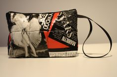 The Fans of Marilyn will be filled! DrawString pouch handy for makeup, the small bag mat or any other use. To offer as gifts or for doing a gift! Gym Bag, Couture, Boutique, Etsy, Bags, Fashion, Pouch Bag, Unique Jewelry, Women