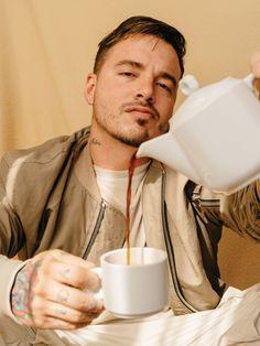 Cafe con J. BALVIN / De los pocos que me gustan con el bigote mi Jose Balvin ❤️❤️❤️❤️❤️ Carlos David !!