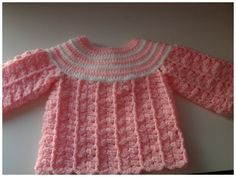 A cute baby Chambrita very soft and comfortable for babies, you can customize choosing color and size. Crochet Baby Cardigan, Crochet Baby Clothes, Newborn Crochet, Crochet For Kids, Knit Crochet, Baby Pullover, Baby Kind, Crochet Videos, Baby Sweaters