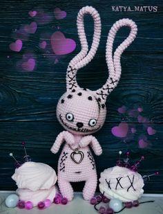 Mesmerizing Crochet an Amigurumi Rabbit Ideas. Lovely Crochet an Amigurumi Rabbit Ideas. Halloween Crochet Patterns, Crochet Animal Patterns, Amigurumi Patterns, Crochet Bunny, Cute Crochet, Crochet Dolls, Sewing Stuffed Animals, Stuffed Toys Patterns, Crochet Monsters