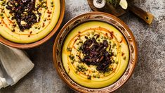 Máte rádi hummus? Mysleli jste si, že pochází z Řecka? Omyl. Hummus, Camembert Cheese, Acai Bowl, Healthy Recipes, Healthy Food, Soup, Vegan, Cooking, Breakfast