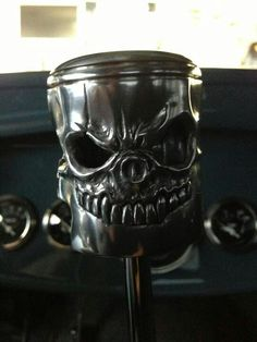 Skull head piston shifter