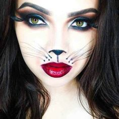 Are you looking for ideas for your Halloween make-up? Check out the post right here for perfect Halloween makeup looks. Halloween Tipps, Halloween 2015, Halloween Make Up, Halloween Costumes Cat Woman, Halloween Couples, Scary Costumes, Halloween Vampire, Women Halloween, Halloween Parties