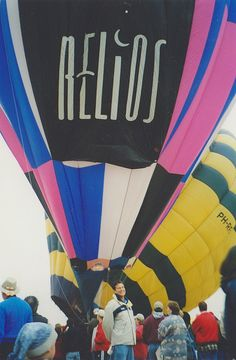 Balloon Fiesta throwback! Bill Pollack in front of the Relios balloon in 1999 #balloonfiesta #carolynpollack