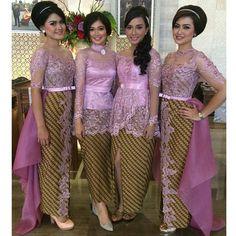 Kumpulan model gambar contoh kebaya batik modern masa kini. Kebaya Wisuda, gaun pengantin batik, busana pernikahan, gaun pesta. Halaman 4