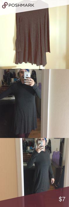 HEART HIPS GRAY MOCK NECK DRESS In good condition HeartHips Dresses Mini