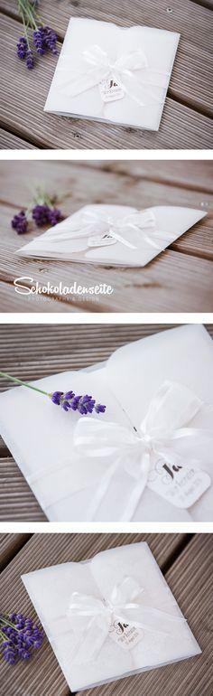 Schlicht, schick, detailverliebt, verspielt und elegant in einem? Das geht! <3 Diese Karte besticht durch all diese Eigenschaften und ist somit ein echter Hingucker zum verlieben! <3 #wedding #love #schokoladenseitekarten #beautiful #invitation #weddinginvitation #einladung #hochzeitseinladung #lovely