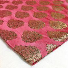 Indian Brocade Silk - Onion Pink and Green Paisley Pattern - Bronze Zari Weaving…