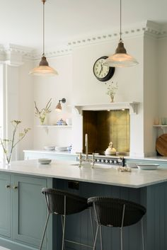 English Country Kitchen with Beautiful Blue Cabinets & Brass Hardware Interior Design Kitchen, Kitchen Decor, Green Kitchen, Kitchen Ideas, Kitchen Lamps, Kitchen Supplies, Kitchen Inspiration, Kitchen Stuff, Kitchen Lighting