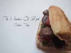 Mini köfte  #burger #meatball #köfte #bread #miniaturefood #handmade #türkyemekeleri #cızbız  #istanbul #turkey