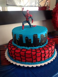 Spider-Man Party Cake, figuring on top and city beneath only. not red piece.