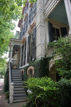 We can't get enough of Savannah's architecture!