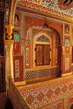 """Durbar Hall, Samode Palace is a heritage monument and structures built by the noble feudartory with the hereditary title of 'Maha Rawal'  This palace is now the """"Samode Palace Hotel"""" and if you are not checked in as a guest there is an entrance fee to look around. Photo: google.search.com"""