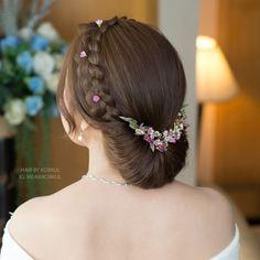 Best 31 Braided Bun Hairstyles For Brides-To-Be ShaadiSaga Braided Bun Hairstyles, Bun Hairstyles For Long Hair, Indian Hairstyles, Bride Hairstyles, Hairstyles Haircuts, Trending Hairstyles, Party Hairstyles, Short Hair, Braided Buns