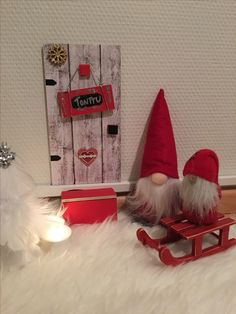 Tonttuovi Elf Door, Clay Art, Holidays And Events, Elves, Elf On The Shelf, Gnomes, Scandinavian, Christmas Crafts, Doors