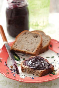 Fresh, puréed blueberries and savory spices make this slow-cooker blueberry butter a must-have for any meal.