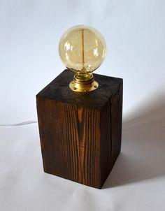 "Drewniana lampka ""Rustic Edison"" 15x15 - ShadenInteriorDesign - Lampki"