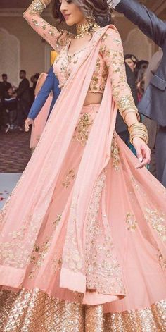 Bridal Hairstyle Indian Wedding, Indian Wedding Gowns, Indian Bridal Outfits, Pink Wedding Dresses, Bridal Dresses, Indian Weddings, Hair Wedding, Bridal Hairstyles, Indian Hairstyles