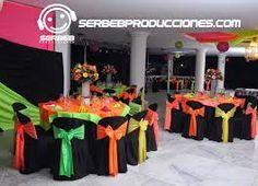 Resultado de imagen para centros de mesas neon 70s Party, Neon Party, Bolo Neon, Motown Party, Glow In Dark Party, Disco Theme, Wedding Theme Inspiration, Rainbow Wedding, Holidays And Events