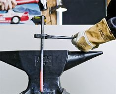 upsetting demo. One of a dozen DIY Make Your Own blacksmithing Forge & Tools Tips.
